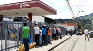 El régimen ordenó surtir con gasolina a TODOS los candidados al show electoral en Trujillo (+ Audio)