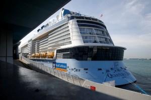 Royal Caribbean mantiene la suspensión sus viajes hasta fines de abril