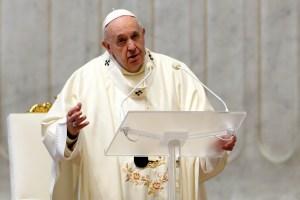 El Papa vuelve a sufrir una ciática y no podrá oficiar sus próximas misas