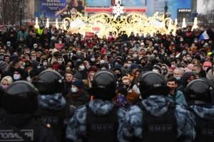 Unos 3.500 detenidos en Rusia en protestas en apoyo a opositor Navalny