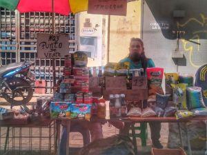¿Es posible comprar en Venezuela las tres comidas del día con 1 dólar? (Video)