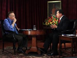 El día que Larry King entrevistó a Hugo Chávez (VIDEO)