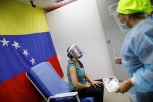 El País: El conflicto político atasca la vacunación contra la Covid-19 en Venezuela