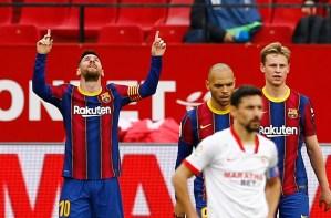 Barcelona supera al Sevilla y mantiene vivas sus esperanzas de ganar la Liga