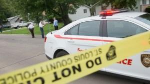 Una niña encuentra muertos a sus padres en su casa mientras estaba en cuarentena por Covid-19
