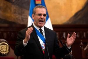 República Dominicana recorta gastos y prohíbe viajes de funcionarios y la compra de carros oficiales