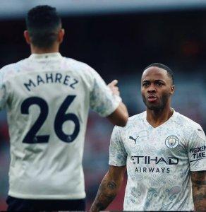 El Manchester City hunde al Arsenal y se encamina hacia el título