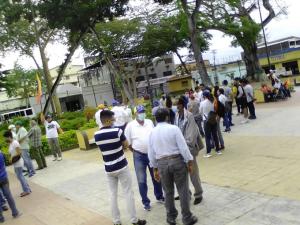 Habitantes de Maturín tomaron la plaza Piar por el Día de la Juventud #12Feb (Foto)