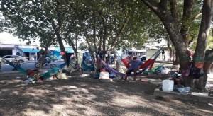 Indígenas apureños emigran a la frontera en busca de comida y ropa