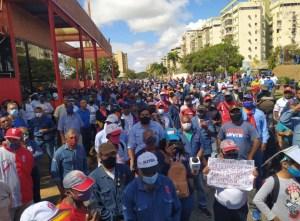 Trabajadores de empresas básicas en Puerto Ordaz exigen beneficios eliminados por el régimen #11Feb (VIDEO)