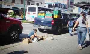 En Yaracuy la crisis a llevado a familias a pedir en las calles para poder comer