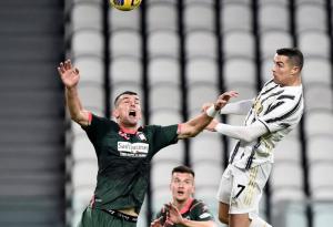 Otro salto impactante y una estadística letal: Cristiano Ronaldo brilló en la Juventus (Video)