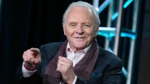 El DIVERTIDO baile de Anthony Hopkins al ritmo de Elvis Crespo (VIDEO)
