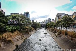 Paramédicos recuperaron un cadáver en el río Guaire a la altura de Carapita
