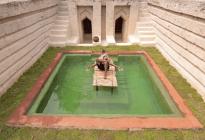 VIRAL: Misterioso youtuber hace piscinas en la selva con herramientas rudimentarias (VIDEO)
