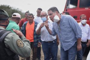 Caravana democrática doblegó alcabala de la GNB que quiso bloquear su paso hacia El Tigre (Fotos)