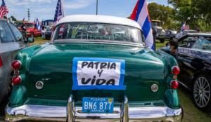 """""""Patria y Vida"""" resonó en las calles de Miami seguida por una caravana (VIDEO)"""