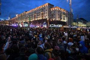 Miles de rusos desafían a Putin en protesta a favor de un convaleciente Navalny