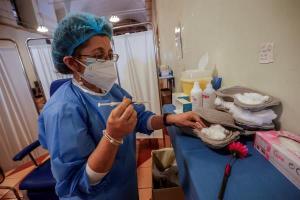 Italia suma 17.567 nuevos contagios mientras intenta acelerar la vacunación contra el Covid-19