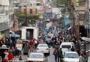 Venezolanos se preocupan más por comer que por el Covid-19