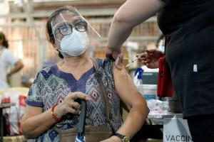 Los casos del virus en todo el mundo superan los 132,74 millones y las muertes alcanzan las 3.017.875