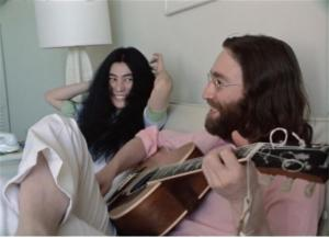 "¡Hermoso! Publican video inédito del ""Give Peace A Chance"" de John Lennon y Yoko Ono"