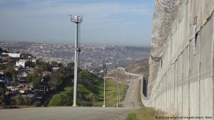 """EEUU acuerda reforzar seguridad fronteriza en Centroamérica para """"distraer"""" a migrantes (Video)"""