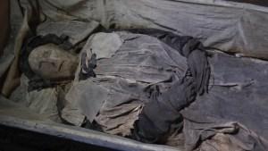 Un obispo del siglo XVII fue enterrado con un feto y finalmente los científicos saben por qué