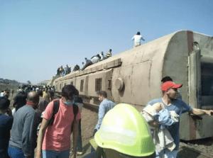 Al menos 32 muertos y más de 100 heridos tras descarrilarse un tren en Egipto (VIDEO)