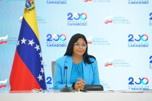 Recitar poemas y hablar de Duque: Delcy Eloína pidió cacao en la Cumbre Iberoamericana