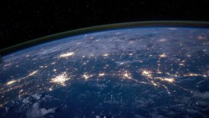 Más de 5 mil toneladas de polvo extraterrestre de cometas y asteroides caen a la tierra cada año, según científicos