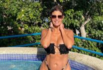 """¡Te emocionarás al verlo! El """"black bikini"""" de la señora más sexy de Venezuela que está ufff"""