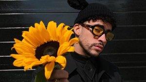 """Bad Bunny produce nuevo disco de Tommy Torres, """"El Playlist de Anoche"""""""