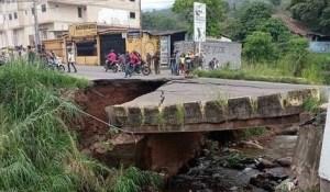 Colapsó el puente La Chivata de Táriba #5Abr (FOTOS)