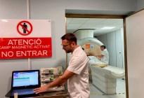 """Máquina de resonancia magnética """"absorbió"""" un tanque de oxígeno y mató a un paciente durante su escaneo"""