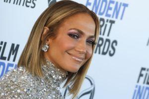 """A sus 50 años: Jennifer Lopez hace entrenamientos """"más difíciles e inteligentes"""""""