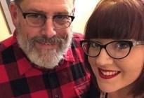 """""""Se dio sin querer"""": Se divorció para luego casarse con su suegro, 30 años mayor"""