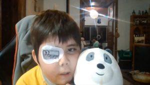 """¡Conmovedor! """"Youtuber"""" de 11 años con una enfermedad degenerativa contó su historia y se robó el corazón de las redes (Videos)"""
