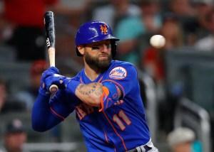 El escalofriante pelotazo que sufrió Kevin Pillar en el juego de Bravos y Mets (Videos)