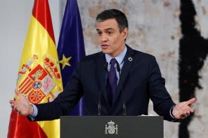 """Pedro Sánchez promete """"firmeza"""" para restablecer la normalidad en Ceuta"""