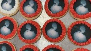 Una panadería imprimió cientos de galletas con el rostro de un ladrón y consiguió que la policía lo arrestara