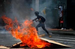 Acusaron a un mayor de la Policía por muerte de joven en protestas de Colombia