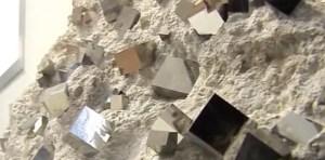 """El """"mineral perfecto"""" que se extrae en un diminuto pueblo de 9 habitantes y tiene un enorme valor"""