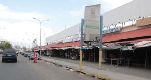Semana radical en Zulia: Comercios obligados a pagar cuota en dólares para trabajar