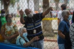 Venezuela inició agosto con más de 900 casos por Covid-19, según el chavismo
