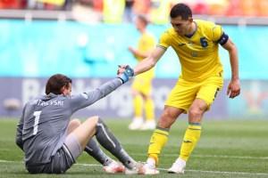 Ucrania logró sus primeros tres puntos en la Euro ante una peleona Macedonia
