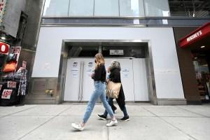 Casi 900 personas recibieron vacunas vencidas de Pfizer en Nueva York