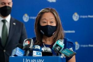 Julie Chung exigió al régimen cubano restablecer la conectividad a Internet