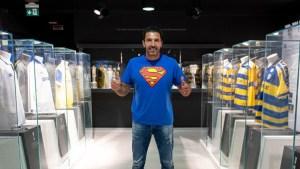 """""""Superman regresa"""": Buffon volvió al Parma tras 20 años para jugar en Serie B (Video)"""