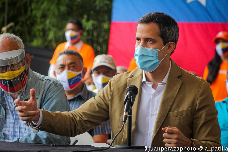 """Guaidó calificó de """"grito desesperado"""" el llamado de Maduro a los inversores internacionales"""